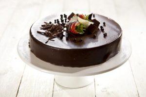 עוגת שכבות שוקולד בתוספת כיתוב אישי- 20 ס'מ