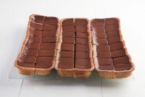 """מגש עוגות גבינה 164 ש""""ח כולל מע""""מ"""
